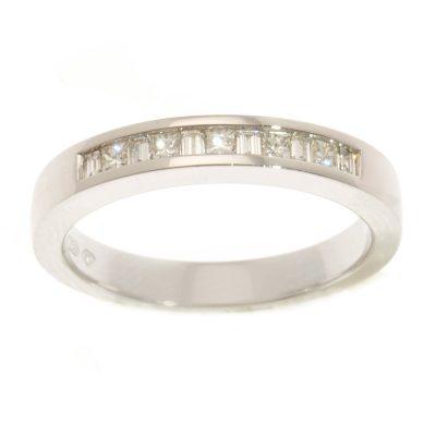 Heidi Kjeldsen Designer Princess Cut & Baguette Diamond & 18ct Gold Ring R895