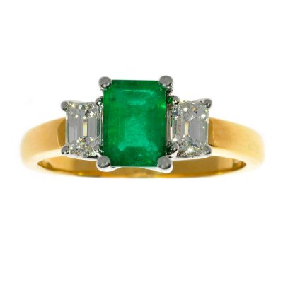 Heidi Kjeldsen Fabulous Emerald & Diamond Three Stone Ring R979