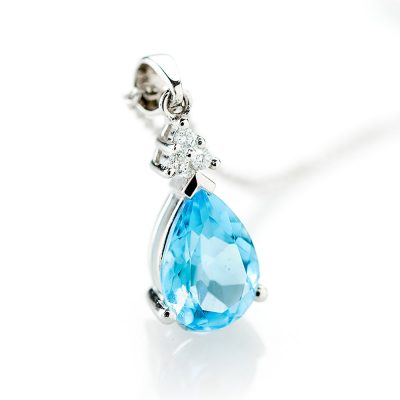 Heidi Kjeldsen Luxurious Blue Topaz & Diamond Pendant in 18ct White Gold P942-3