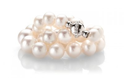 Delicate and feminine pearls full of exotic appeal