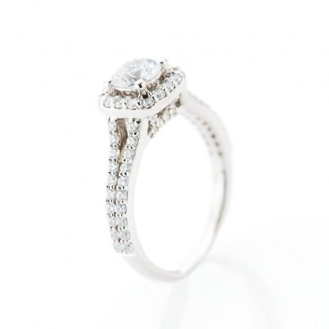 Heidi Kjedsen Elegant Diamond Square Shaped Cluster Ring R1109