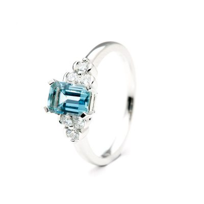 Heidi Kjeldsen Alluring Aquamarine and Diamond Ring R1047