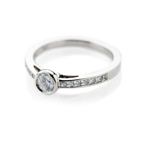 Heidi Kjeldsen Charming Diamond Ring ALT1 R1101