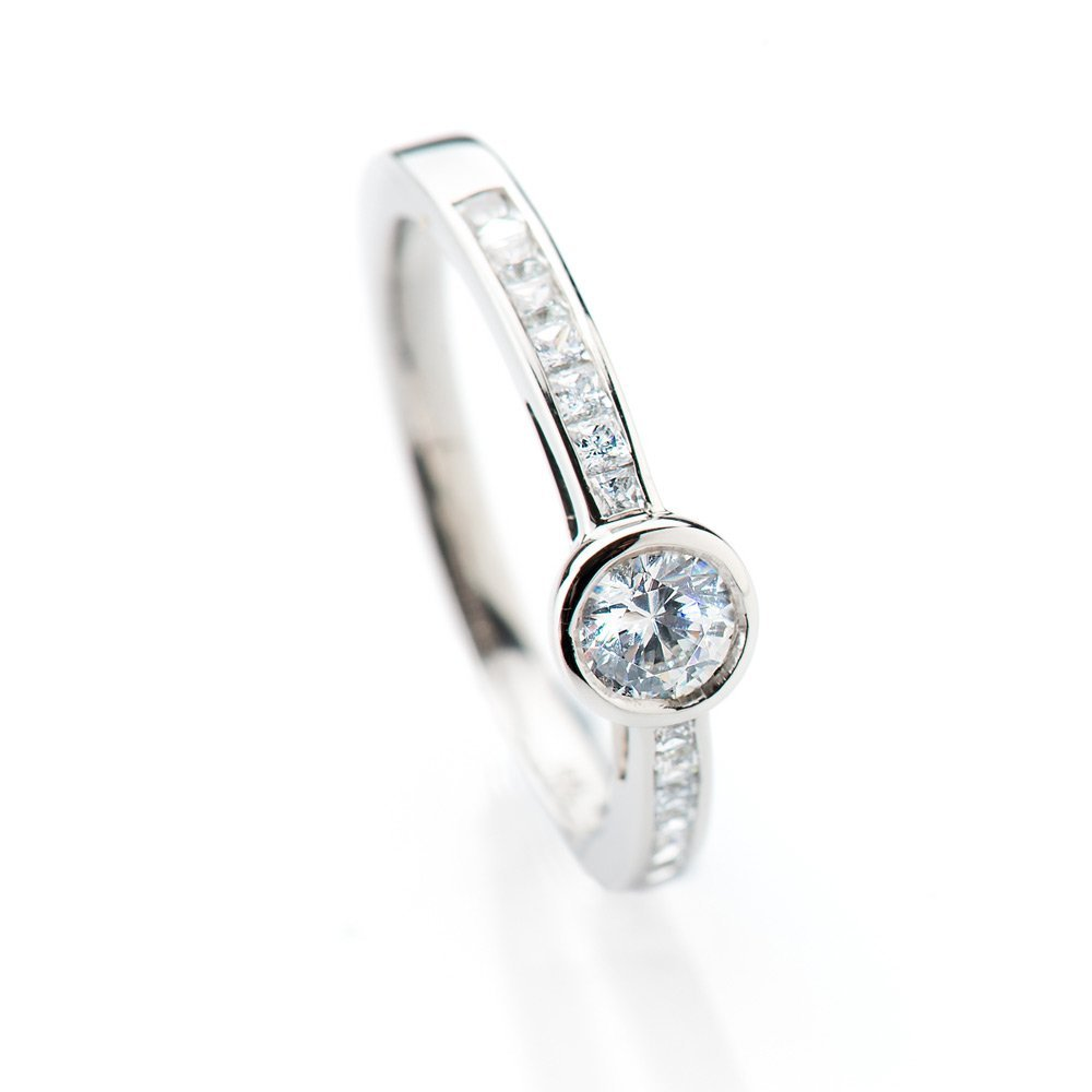 Charming Diamond Ring