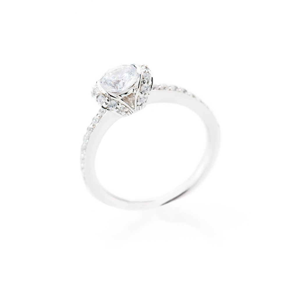 Heidi Kjeldsen Delightful Diamond Solitaire With Added Detail R1108