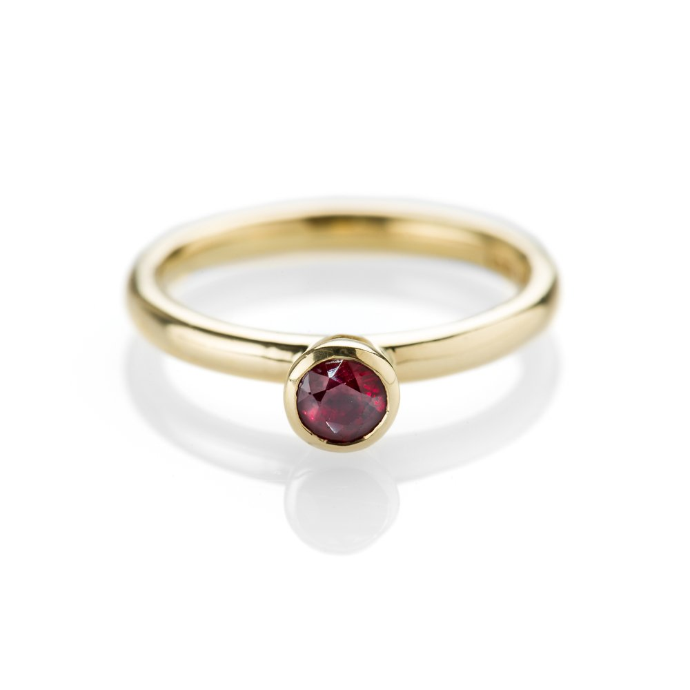 Ravishing Ruby and 18ct Yellow Gold Stacking Ring