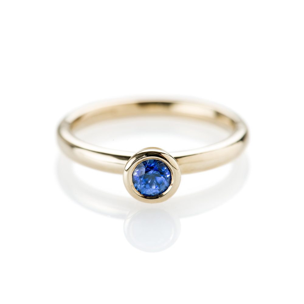 a1e415cc6acea Stunning Deep Blue Natural Ceylon Sapphire And Gold Stacking Ring