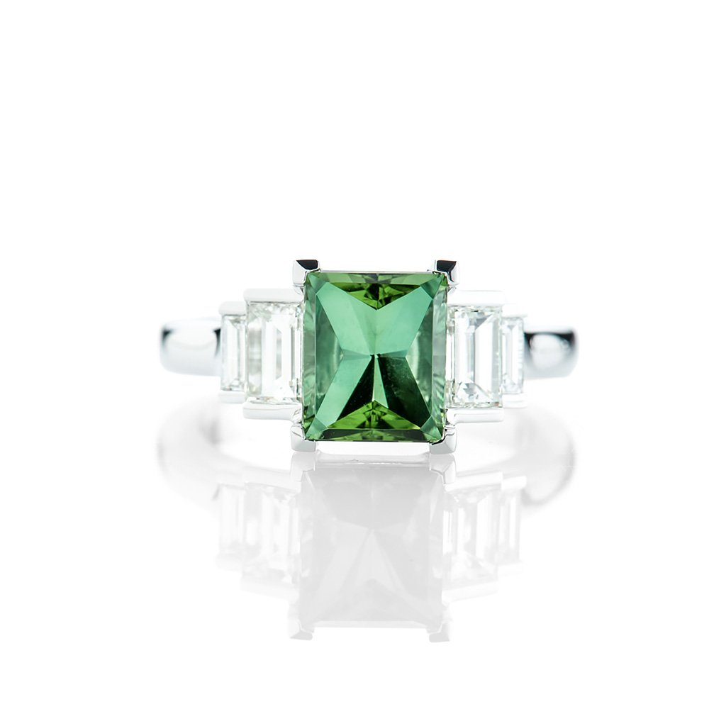 Heidi Kjeldsen A Gorgeous Green Tourmalind and Diamond Baguette Ring R1147-1