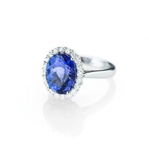 Heidi Kjeldsen A Resplendent Tanzanite and Diamond Ring R1150-1