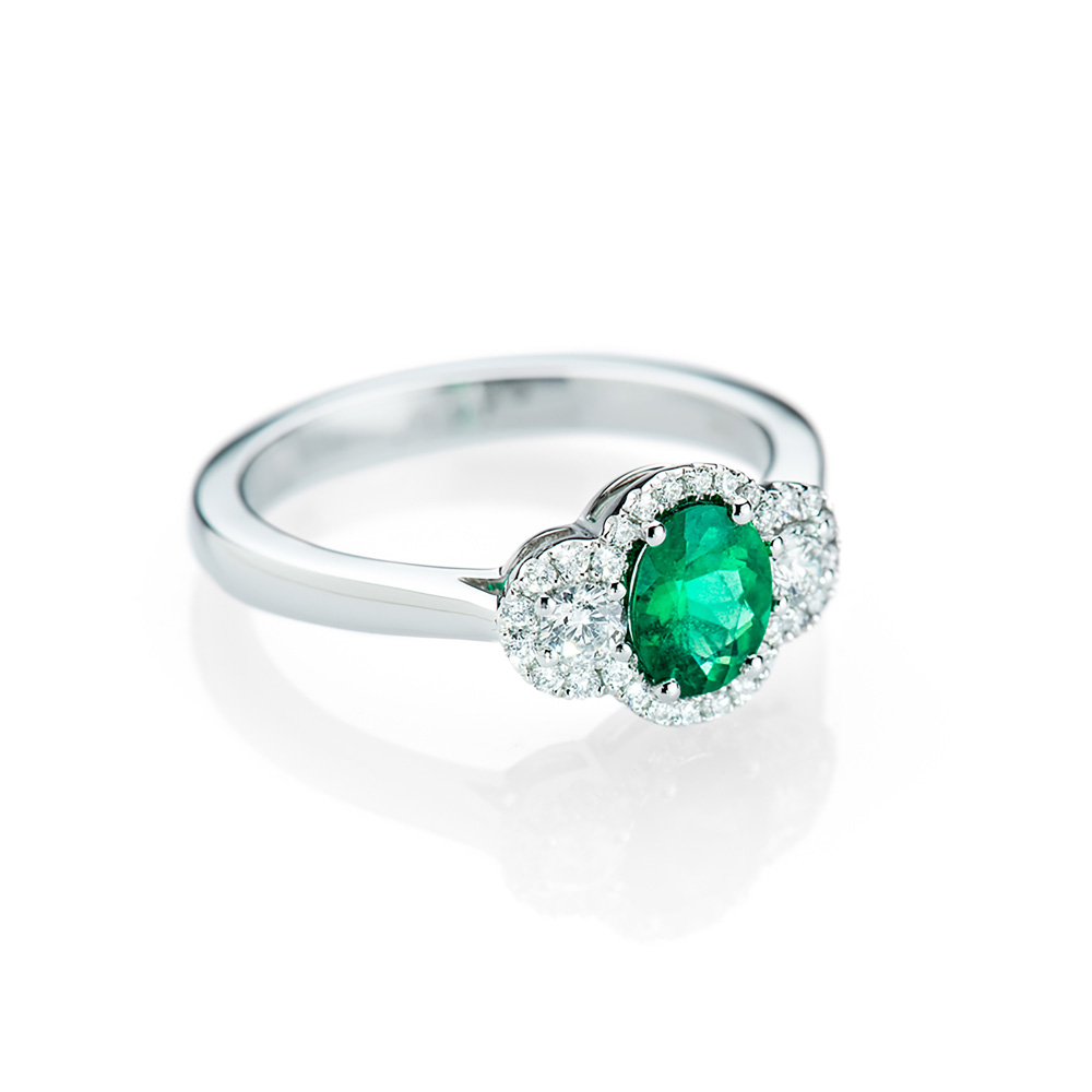 Sumptuous Intense Green Natural Emerald, Diamond And Gold Ring