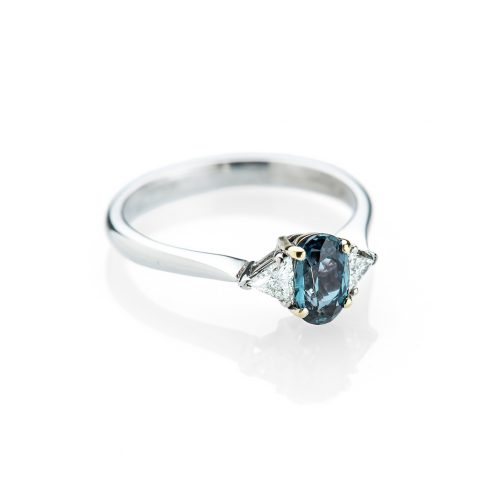 Heidi Kjeldsen An Exceptional and Rare Alexandrite and Diamond Ring R1155-1