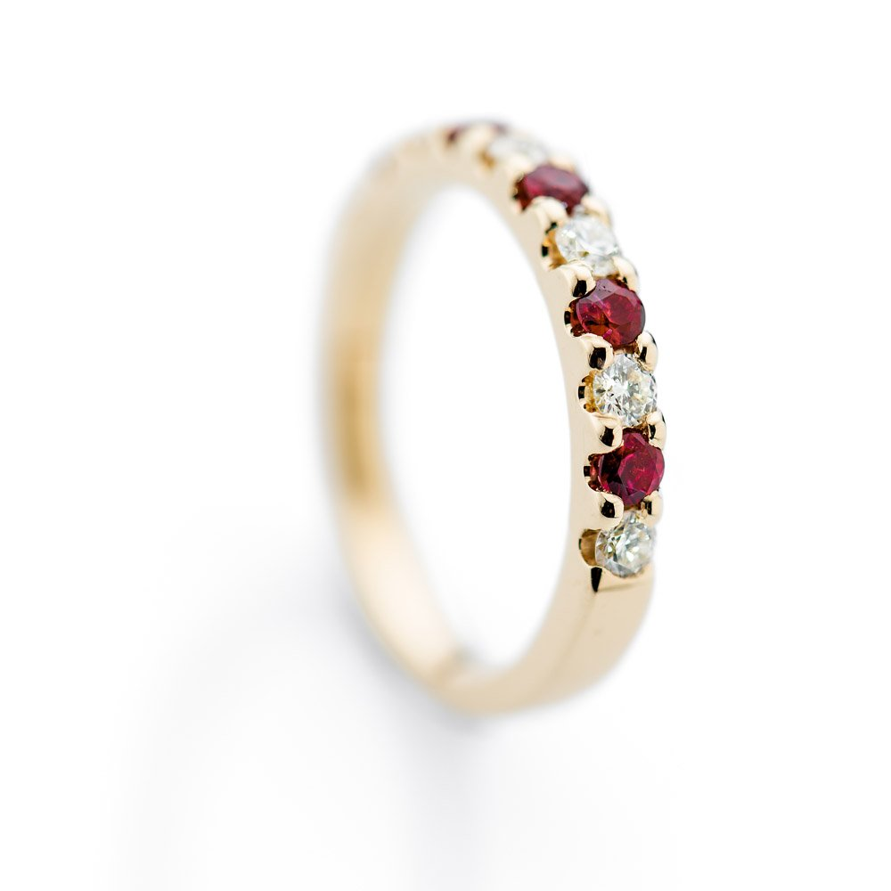 Desirable Ruby And Diamond 18ct Yellow Gold Ring Heidi