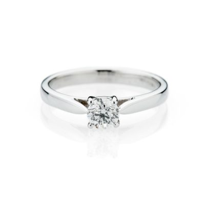 Heidi Kjeldsen Gorgeous Diamond And 18ct White Gold Solitaire Ring