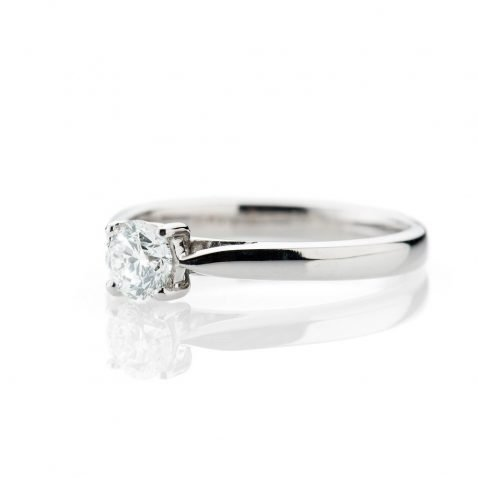 Heidi Kjeldsen Gorgeous Diamond And 18ct White Gold Solitaire Ring R1190 Side