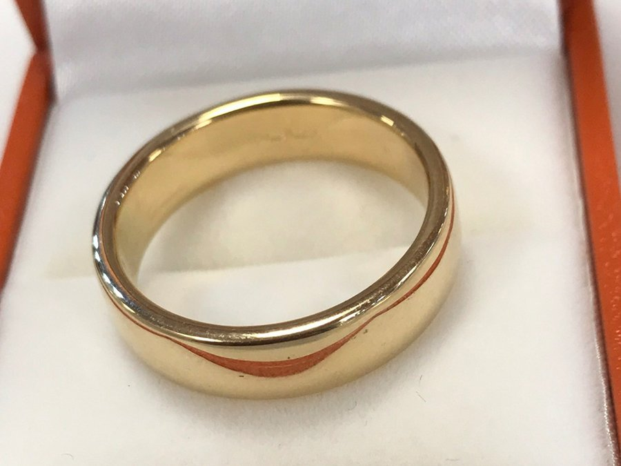 completed gold ring