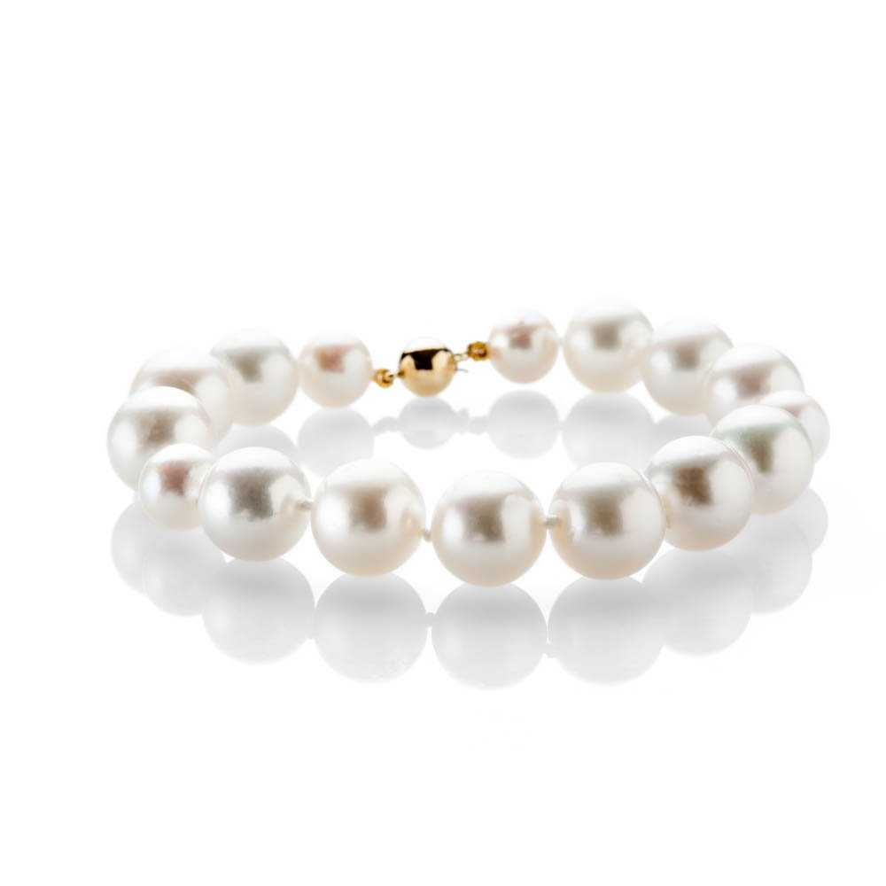 Exquisite Natural Cultured South Sea And Akoya Pearl And Gold Bracelet