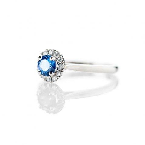 Heidi Kjeldsen Stunning Ceylon Sapphire And Diamond Platinum Cluster Ring R1273 Side