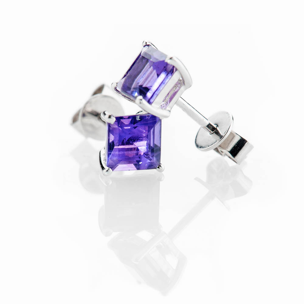 Elegant Natural Square Amethyst And Gold Earstuds