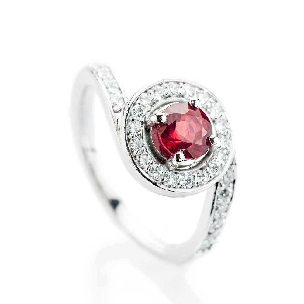 Heidi Kjeldsen Magnificent Deep Red Natural Ruby Brillant Cut Diamond And Gold Engagement Or Dress Ring - R1300-2