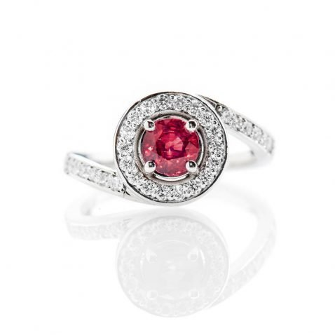 Heidi Kjeldsen Magnificent Deep Red Natural Ruby Brillant Cut Diamond And Gold Engagement Or Dress Ring - R1300-3