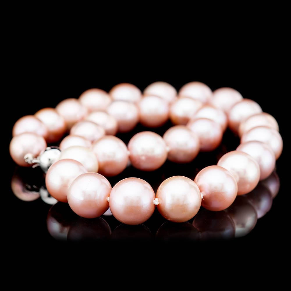 Heidi Kjeldsen Striking Lustrous Pink Natural Cultured Pearl Brilliant Cut Diamond And Gold Necklace - NL1204-4