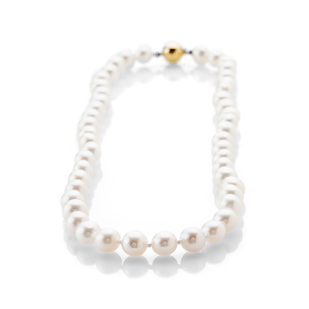Lustrous Natural Cultured Pearl Necklace