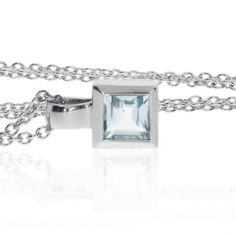 Blue Topaz And White Gold Pendant P919 Side