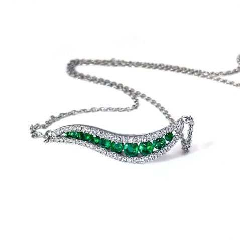 Exquisite Emerald and Diamond Necklace by Heidi Kjeldsen Jewellery NL1259 front view