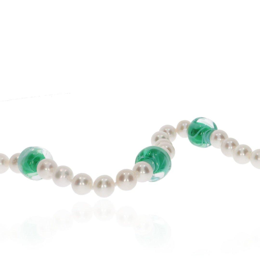 Green Murano Glass and Pearl Necklace By Heidi Kjeldsen Jewellery NL1311 Close