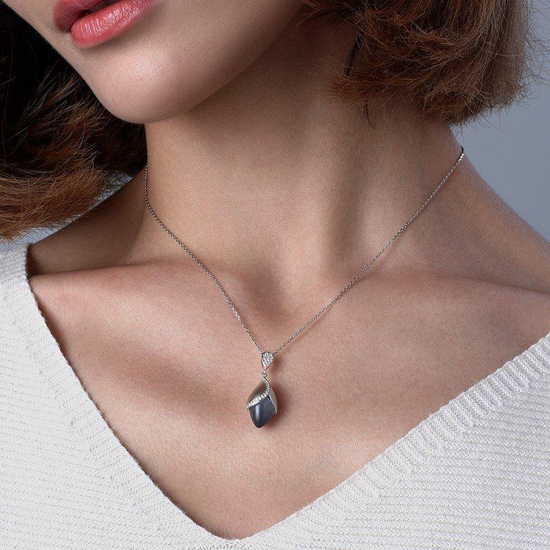 Fei Liu Magnolia Collection Large Grey Pendant with Leaf Heidi Kjeldsen Jewellers P1483 Model